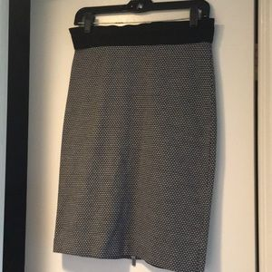 Adorable BCBG Black and white skirt!